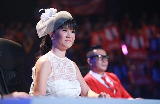 Hồng Nhung 45 tuổi vẫn trẻ như gái đôi mươi?