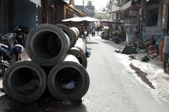 """Dự án thi công """"bất động"""" dân kêu trời vì ngập, ô nhiễm"""
