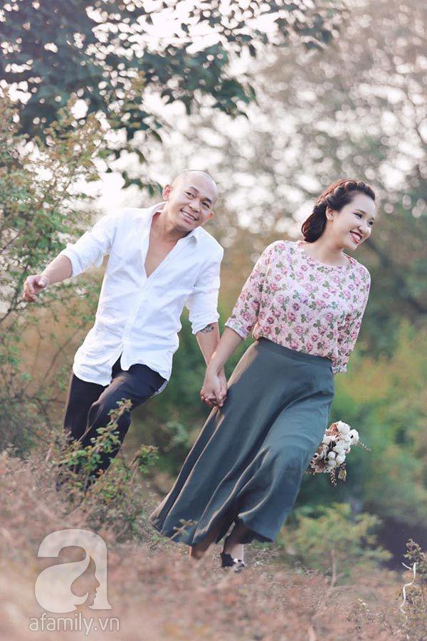Nhiếp ảnh gia 'bắc ghế hôn vợ' tiết lộ bí quyết 'giữ lửa'
