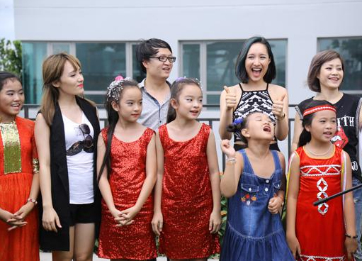 Xuất hiện 'bản sao' nhí của Angela Phương Trinh