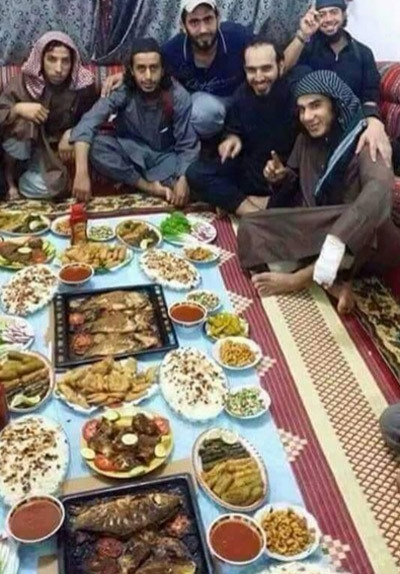 IS, Raqqa, cảnh sống, bần cùng