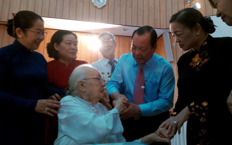 đổi mới, Nguyễn Văn Linh, Phan Văn Khải, cởi trói, bao cấp