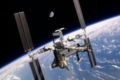 Hé lộ chân thực cuộc sống trên Trạm vũ trụ quốc tế