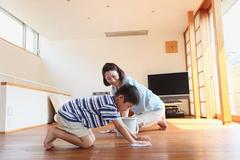 Tuyệt chiêu của mẹ khéo dạy con giỏi việc nhà từ nhỏ