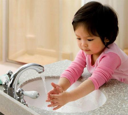 tẩy giun, cho trẻ, vệ sinh, rửa tay