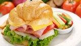 Ăn sáng không đúng cách nguy hại cho sức khỏe