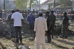 Bé gái đánh bom liều chết khiến 40 người thương vong