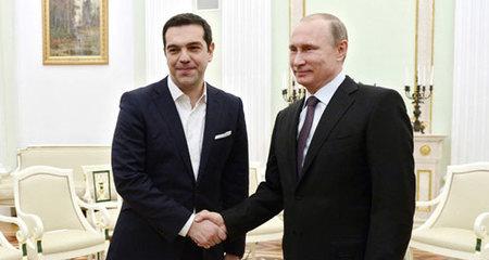 Âu - Mỹ lại dồn dập ra đòn, Putin vẫn lạnh lùng