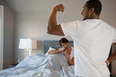 Đàn ông nói khoác về bạn tình vì sợ thiếu nam tính