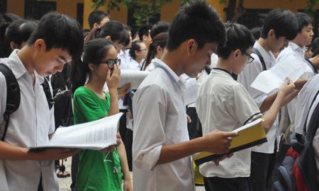 Hà Nội, công bố, điểm chuẩn, lớp 10, THPT chuyên, Ams, phụ huynh, căng thẳng