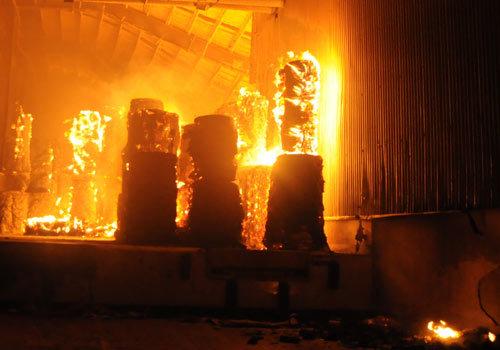 Cháy lớn trong đêm, Đồng Nai xin chi viện của Hải quân