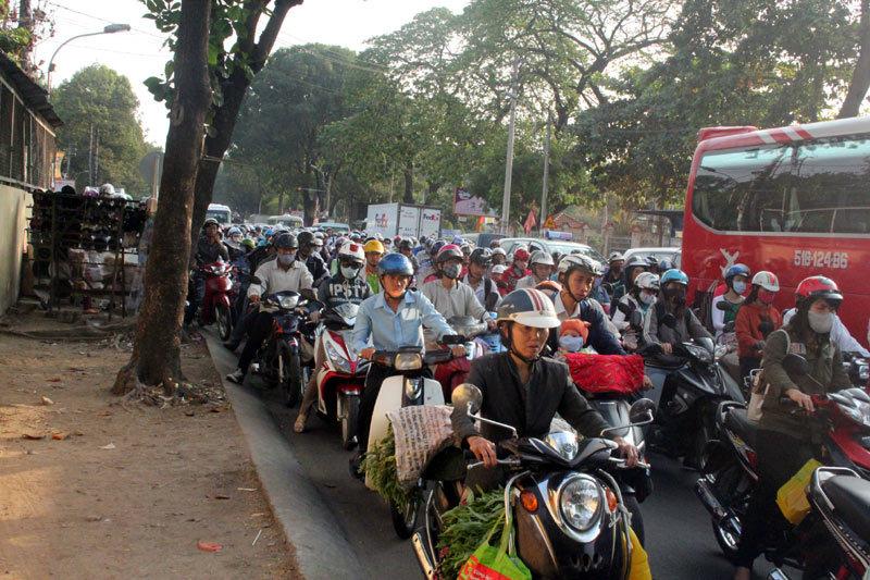 TP.HCM: Ngày 1/7 thu phí đường bộ đối với xe máy - 1