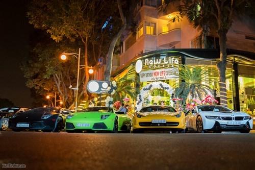 Bà chủ cafe 8X Sài thành chơi siêu xe ngang cơ Phan Thành