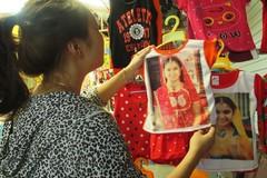 Mốt quần áo 'Cô dâu 8 tuổi' sốt ở Hà Nội