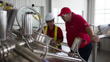 Chuyên gia Budweiser bật mí cách tạo ra bia Mỹ thượng hạng
