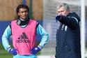 """Mourinho bị """"đánh"""" tơi bời vì rước về """"kẻ ăn hại"""""""