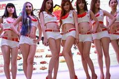 ChinaJoy hủy quy định showgirl không được mặc quần trễ dưới rốn 2cm