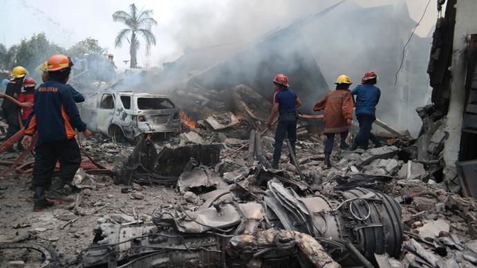 tai nạn hàng không, máy bay rơi, máy bay quân sự, C-130 Hercules, Indonesia, thế giới 24h