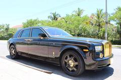 Đại gia Quảng Ninh độ Rolls-Royce Phantom Rồng mạ vàng