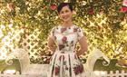NSND Lan Hương lần đầu diện váy gợi cảm