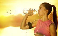 Mẹo làm mát cơ thể ngày nắng nóng không cần điều hòa