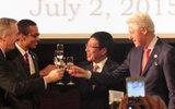 Ông Clinton: 20 năm trước, người ta nghĩ chúng tôi điên