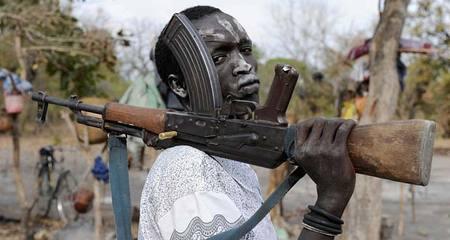 Vì sao AK-47 là vũ khí phổ biến khắp thế giới?