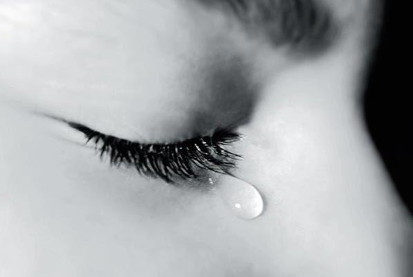 Thành phần nước mắt phụ thuộc vào nguyên nhân khóc