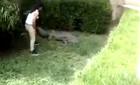 10 clip 'nóng': Thiếu nữ liều lĩnh suýt bị cá sấu ăn thịt
