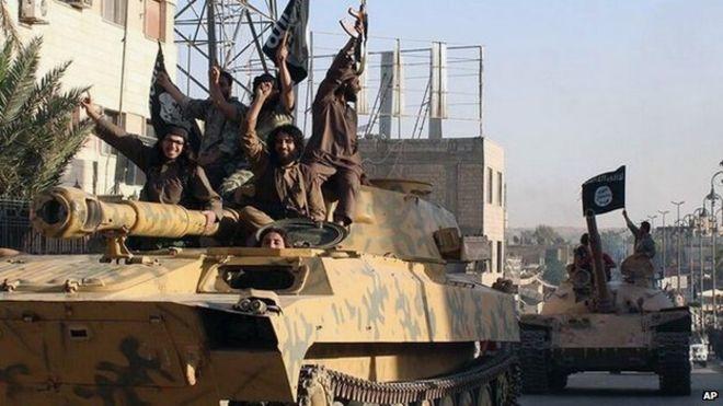 Sự 'lủng củng' khó hiểu trong chiến lược đánh IS