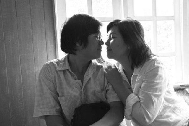 Chuyện tình cổ tích của vợ chồng nhạc sĩ 'Ba ngọn nến lung linh'