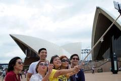 Nhà hát Opera Sydney cấm gậy 'tự sướng'