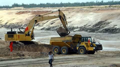 Mỏ sắt Thạch Khê: Bất động kéo dài, tương lai mờ mịt