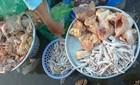 Chân gà hôi thối giá 30.000 đồng/kg tràn lan trên thị trường