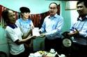 Chủ tịch MTTQ tặng sổ tiết kiệm 400 triệu đồng cho VĐV Nguyễn Thị Huyền