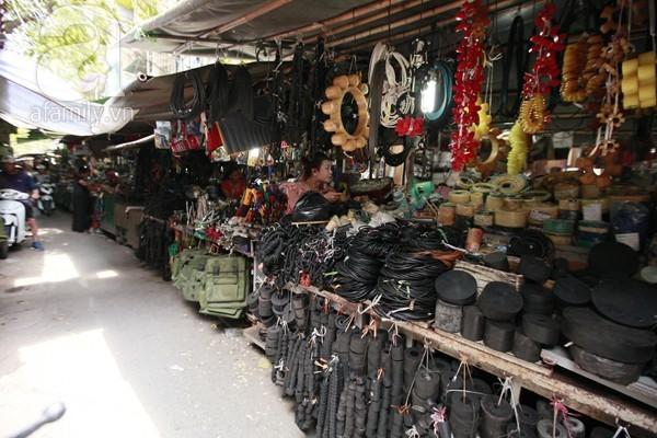 Chợ Trời Hà Nội: Thượng vàng hạ cám điện máy toàn thế giới