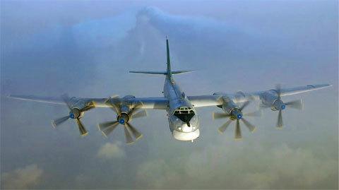 Máy bay Mỹ liên tục xuất kích, chặn phi cơ Nga