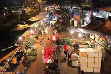 Ngơ ngác nghe tin xóa sổ, dân chợ Long Biên lo mất cơ nghiệp