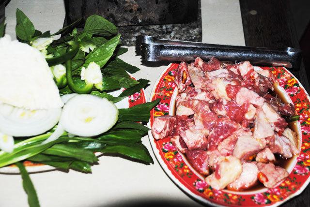 Hương vị ngon lạ khó cưỡng của gù bò nướng Châu Đốc