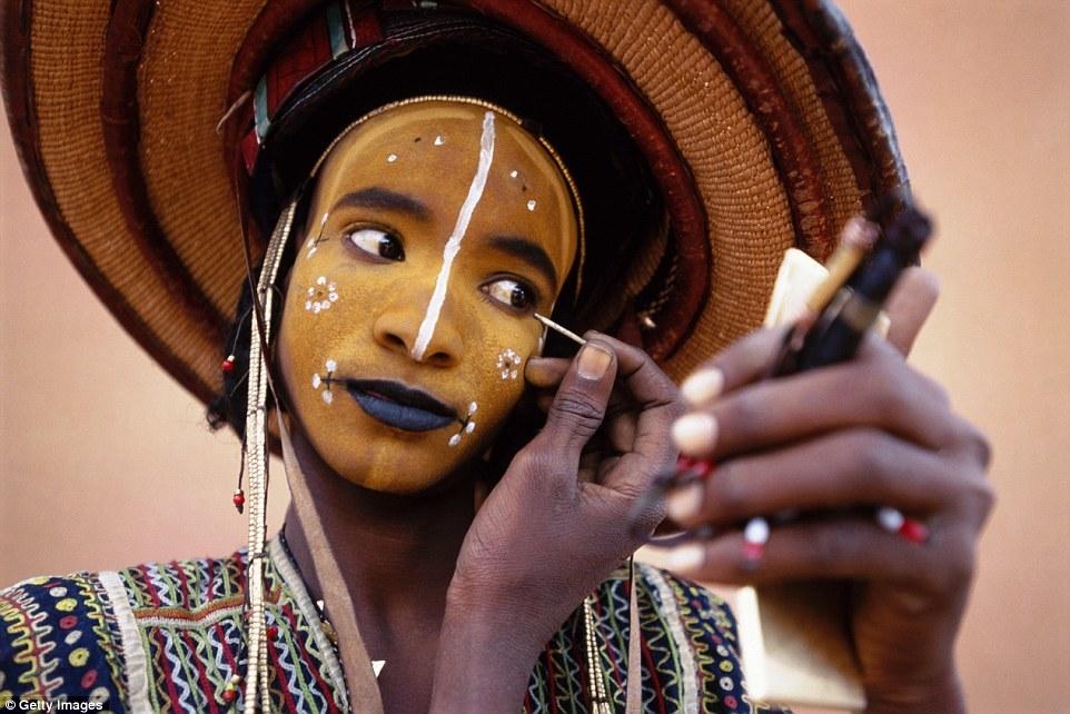 Lễ hội chọn chồng độc đáo của bộ tộc đa phu