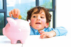 6 chiêu độc đáo giúp trẻ kiếm tiền bỏ ống trong hè