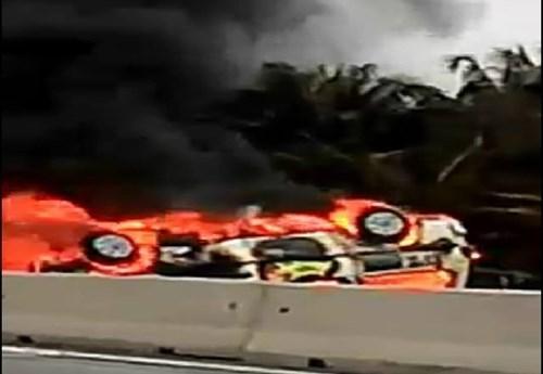 Xe cứu thương gặp nạn bốc cháy, 2 người tử vong thương tâm