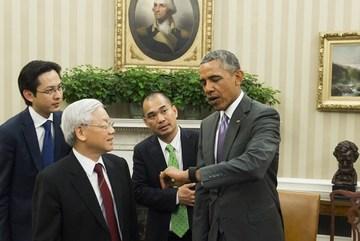 Bật mí về chiếc đồng hồ thông minh trên cổ tay TT Obama