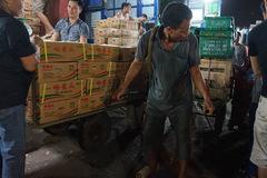 Dẹp chợ Long Biên: Làm đi nhưng... sợ thất bại?