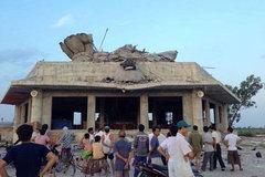 Đình chỉ việc xây dựng tượng Phật 26m bị đổ sập