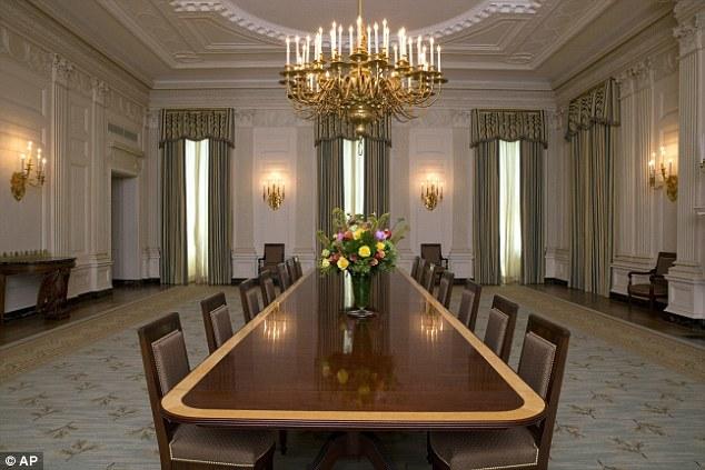 Cận cảnh phòng tiệc sang trọng ở Nhà Trắng