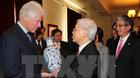 Tổng bí thư thăm gia đình cựu Tổng thống Clinton