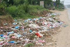 Đi chăn bò, phát hiện chân người vứt trong bãi rác