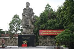Quang Trung - Nguyễn Huệ là anh em hay bạn cùng chiến đấu?