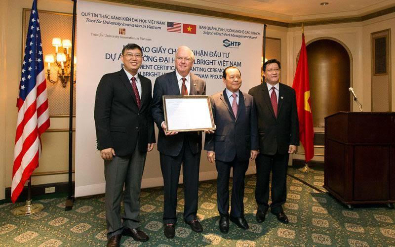 Việt – Mỹ, bình thường hóa, Tổng Bí thư, Tổng thống, cấm vận, Harvard, Fulbright, Thomas Vallely